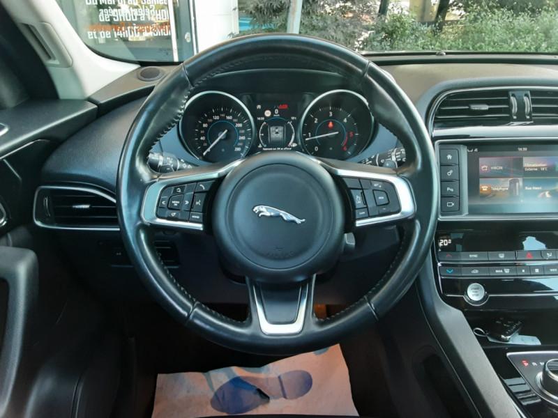 Photo 39 de l'offre de JAGUAR F-PACE 2.0 D - 180 ch AWD BVA8 Prestige à 28490€ chez Centrale Auto Marché Mussidan