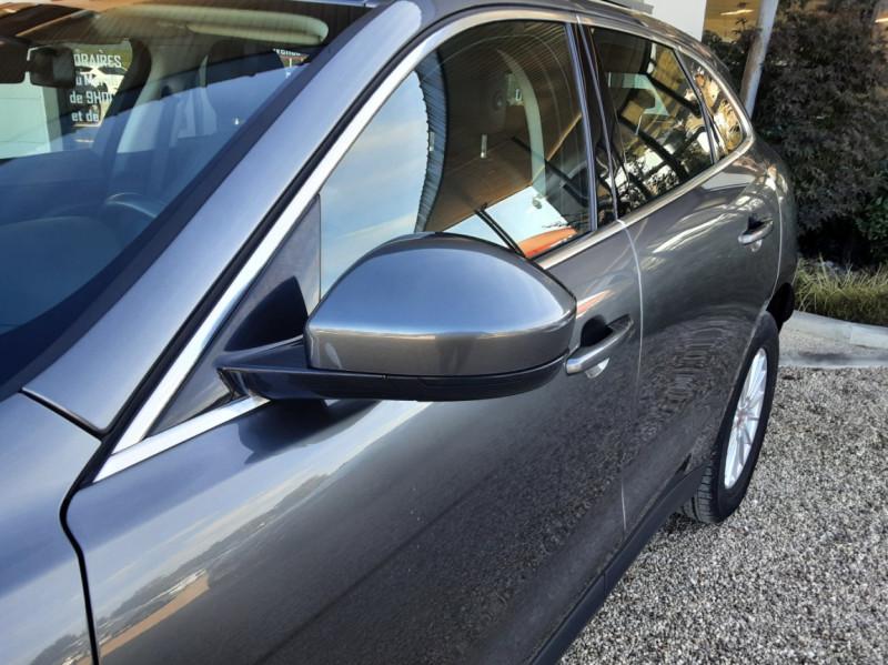 Photo 8 de l'offre de JAGUAR F-PACE 2.0 D - 180 ch AWD BVA8 Prestige à 28490€ chez Centrale Auto Marché Mussidan