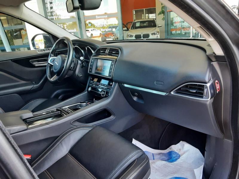 Photo 29 de l'offre de JAGUAR F-PACE 2.0 D - 180 ch AWD BVA8 Prestige à 28490€ chez Centrale Auto Marché Mussidan