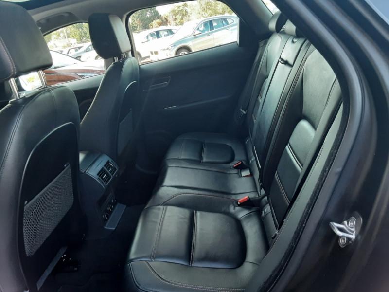 Photo 23 de l'offre de JAGUAR F-PACE 2.0 D - 180 ch AWD BVA8 Prestige à 28490€ chez Centrale Auto Marché Mussidan