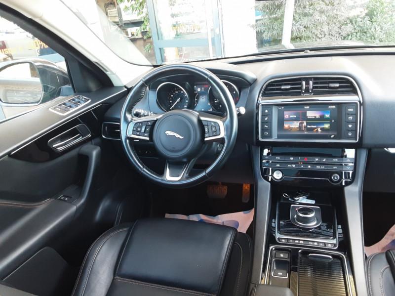 Photo 34 de l'offre de JAGUAR F-PACE 2.0 D - 180 ch AWD BVA8 Prestige à 28490€ chez Centrale Auto Marché Mussidan