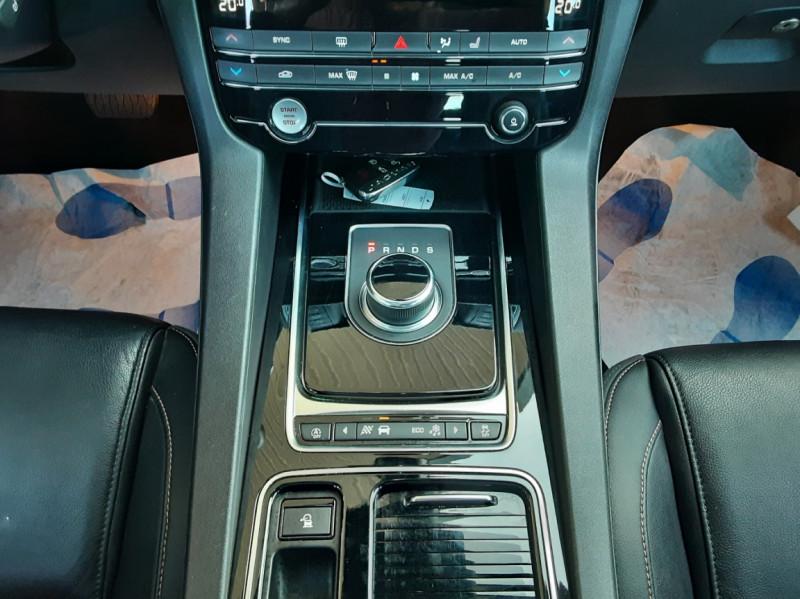 Photo 38 de l'offre de JAGUAR F-PACE 2.0 D - 180 ch AWD BVA8 Prestige à 28490€ chez Centrale Auto Marché Mussidan