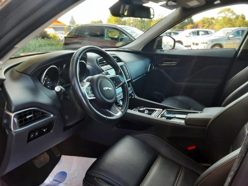 Photo 26 de l'offre de JAGUAR F-PACE 2.0 D - 180 ch AWD BVA8 Prestige à 28490€ chez Centrale Auto Marché Mussidan