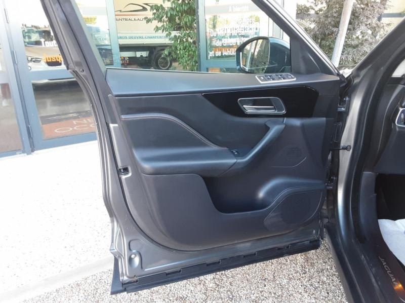 Photo 24 de l'offre de JAGUAR F-PACE 2.0 D - 180 ch AWD BVA8 Prestige à 28490€ chez Centrale Auto Marché Mussidan