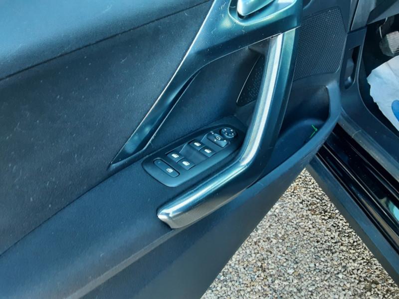 Photo 19 de l'offre de PEUGEOT 2008 1.6 BlueHDi 100ch SetS BVM5 Allure Business à 13890€ chez Centrale Auto Marché Mussidan