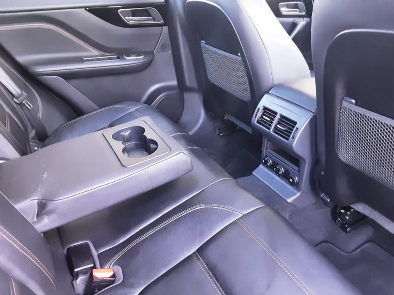 Photo 36 de l'offre de JAGUAR F-PACE 2.0 D - 180 ch AWD BVA8 Prestige à 28490€ chez Centrale Auto Marché Mussidan