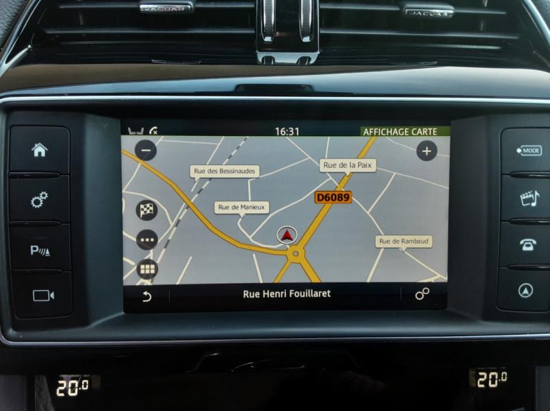 Photo 48 de l'offre de JAGUAR F-PACE 2.0 D - 180 ch AWD BVA8 Prestige à 28490€ chez Centrale Auto Marché Mussidan