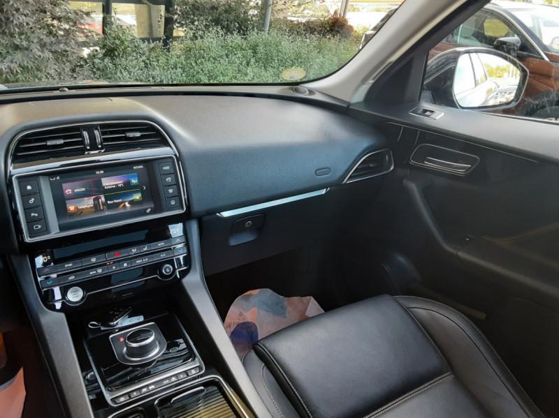 Photo 37 de l'offre de JAGUAR F-PACE 2.0 D - 180 ch AWD BVA8 Prestige à 28490€ chez Centrale Auto Marché Mussidan