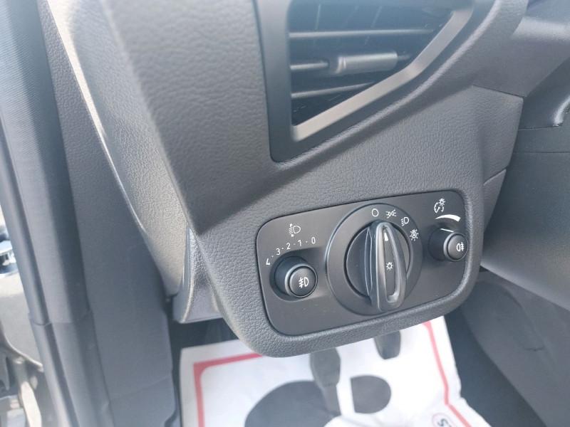 Photo 7 de l'offre de FORD C-MAX 1.5 TDCI 120CH STOP&START TITANIUM à 10990€ chez Garage Bossard
