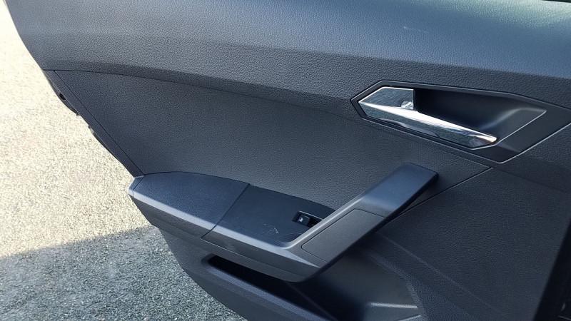 Photo 10 de l'offre de SEAT ARONA 1.6 TDI 95CH START/STOP STYLE BUSINESS EURO6D-T à 15990€ chez Garage Bossard