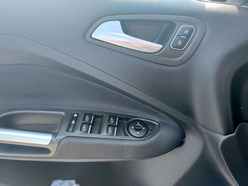 Photo 8 de l'offre de FORD C-MAX 1.5 TDCI 120CH STOP&START TITANIUM à 10990€ chez Garage Bossard