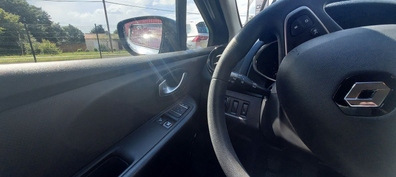 Photo 9 de l'offre de RENAULT CLIO IV 1.5 DCI 75CH ENERGY TREND 5P EURO6C à 10490€ chez Garage Bossard