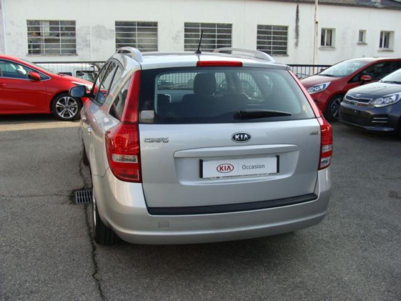 Photo 4 de l'offre de KIA CEE'D SW II 1.6L CRDI 90 STYLE à 8990€ chez Kia Fournier