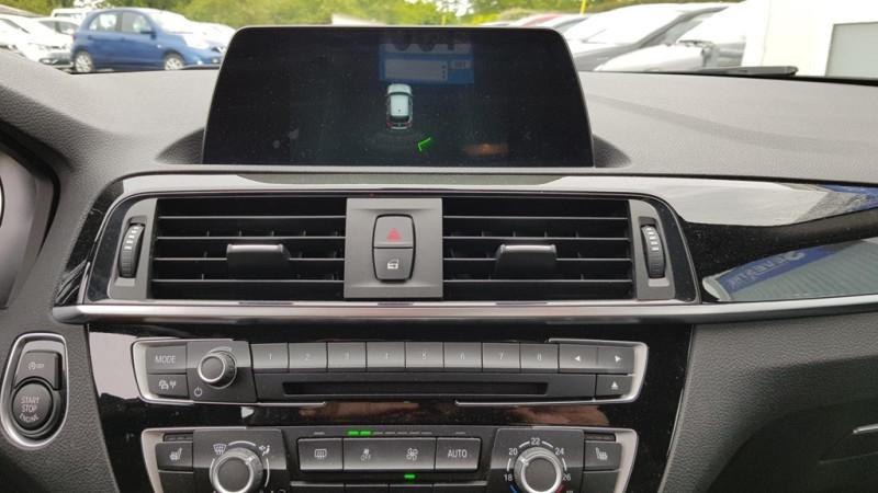 Photo 8 de l'offre de BMW SERIE 1 (F21/F20) 118DA 150CH LOUNGE 5P EURO6C à 20490€ chez Sevestre Automobiles Nantes