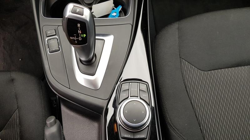 Photo 10 de l'offre de BMW SERIE 1 (F21/F20) 118DA 150CH LOUNGE 5P EURO6C à 20490€ chez Sevestre Automobiles Nantes