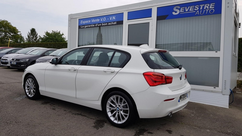 Photo 4 de l'offre de BMW SERIE 1 (F21/F20) 118DA 150CH LOUNGE 5P EURO6C à 20490€ chez Sevestre Automobiles Nantes