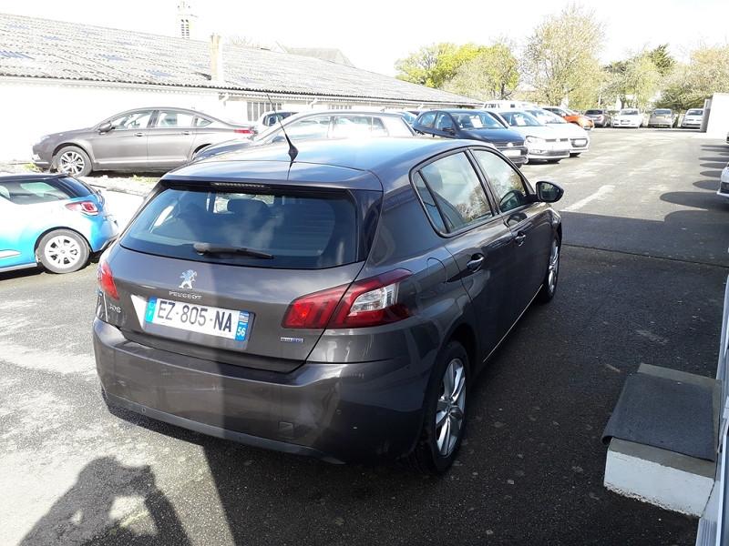 Photo 3 de l'offre de PEUGEOT 308 1.6 BLUEHDI 120CH ACTIVE S&S 5P à 12490€ chez Sevestre Automobiles Nantes