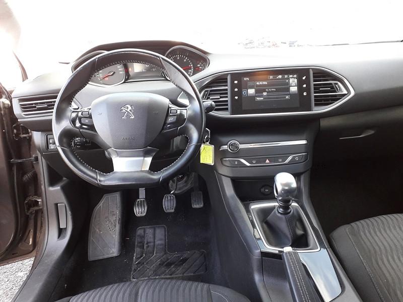 Photo 7 de l'offre de PEUGEOT 308 1.6 BLUEHDI 120CH ACTIVE S&S 5P à 12490€ chez Sevestre Automobiles Nantes