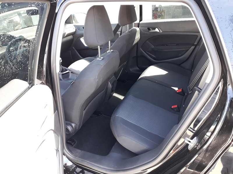 Photo 6 de l'offre de PEUGEOT 308 SW 1.6 BLUEHDI 120CH ACTIVE S&S à 12490€ chez Sevestre Automobiles Nantes