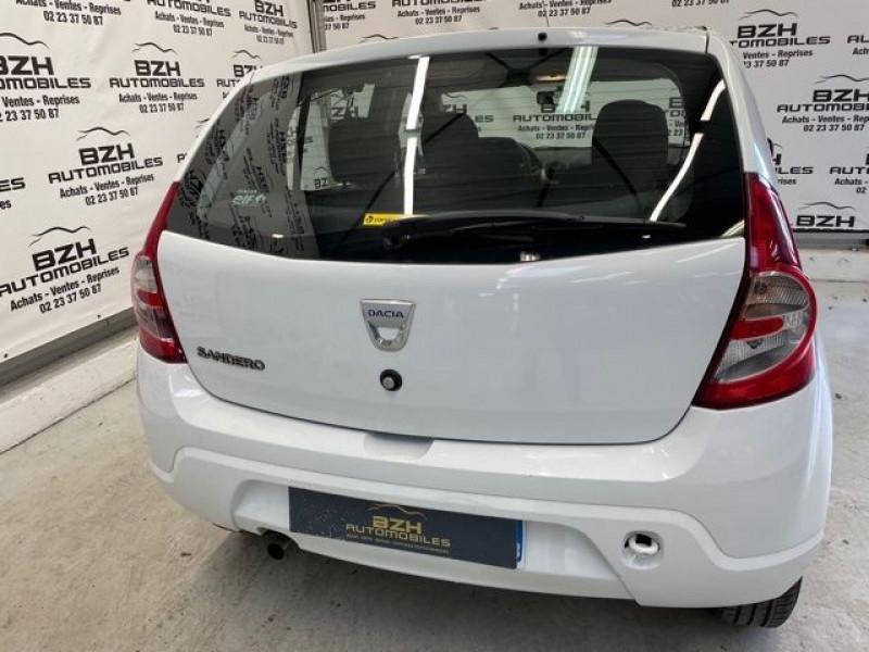 Photo 6 de l'offre de DACIA SANDERO 1.2 16V 75CH AMBIANCE EURO5 à 5490€ chez BZH Automobiles