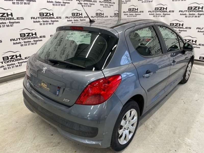 Photo 3 de l'offre de PEUGEOT 207 1.4 HDI70 PREMIUM 5P à 4690€ chez BZH Automobiles