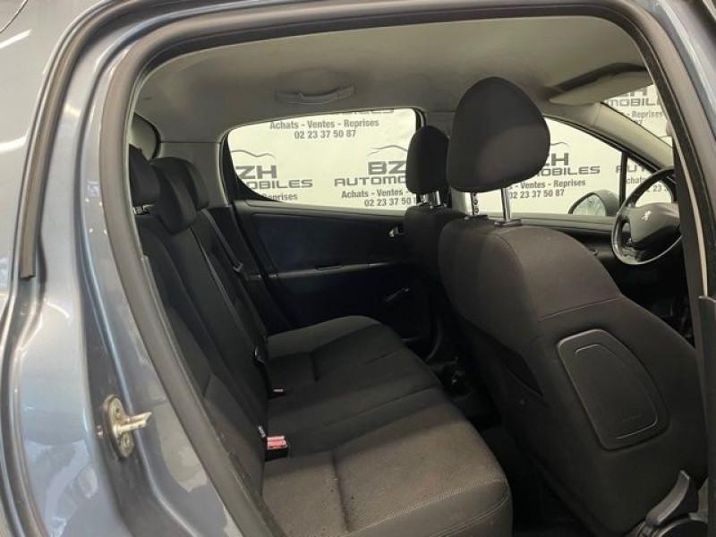Photo 6 de l'offre de PEUGEOT 207 1.4 HDI70 PREMIUM 5P à 4690€ chez BZH Automobiles