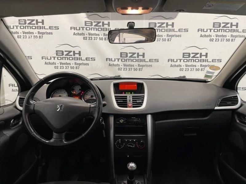Photo 9 de l'offre de PEUGEOT 207 1.4 HDI70 PREMIUM 5P à 4690€ chez BZH Automobiles