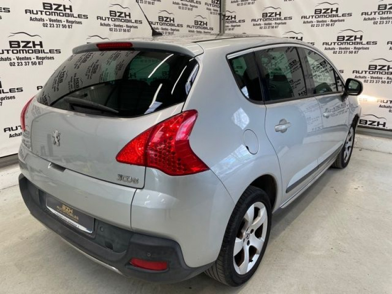 Photo 4 de l'offre de PEUGEOT 3008 1.6 HDI115 ALLURE à 9490€ chez BZH Automobiles