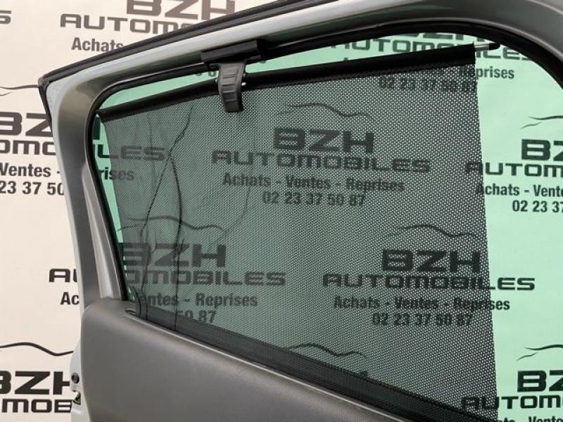 Photo 15 de l'offre de PEUGEOT 3008 1.6 HDI115 ALLURE à 9490€ chez BZH Automobiles
