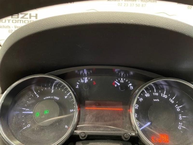 Photo 18 de l'offre de PEUGEOT 3008 1.6 HDI115 ALLURE à 9490€ chez BZH Automobiles