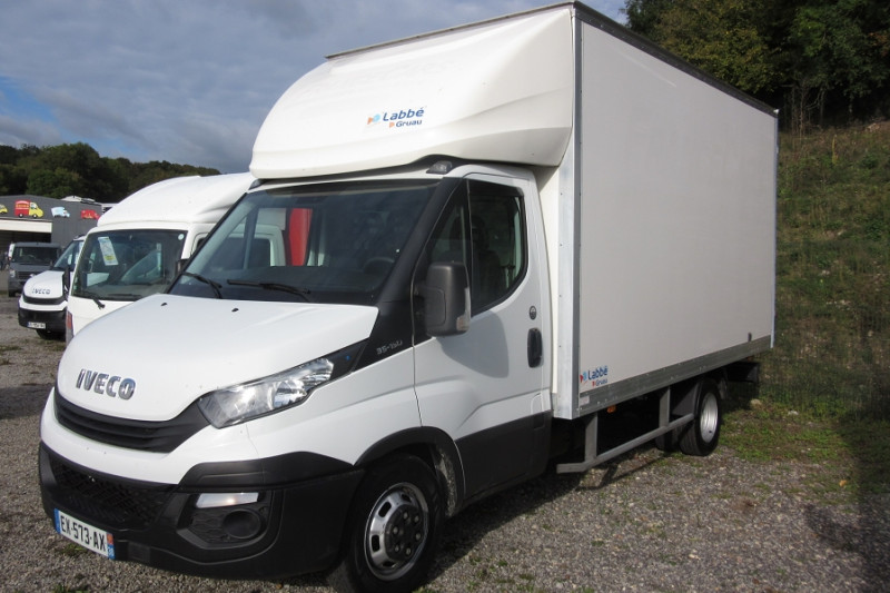 Iveco 35 / 3L 150CH CAISSE 22M3 DAILY Diesel BLANC Occasion à vendre