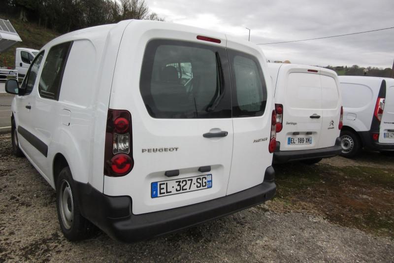 Photo 2 de l'offre de PEUGEOT PARTNER HDI100  5 PL CABINE APPROFONDIE à 12600€ chez L'utilitaire Normand