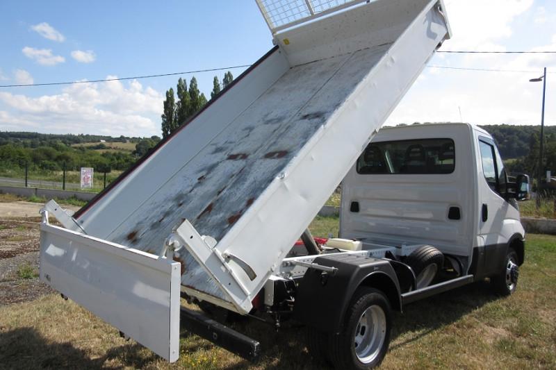 Photo 4 de l'offre de IVECO 35 C 14 BENNE DAILY à 28800€ chez L'utilitaire Normand