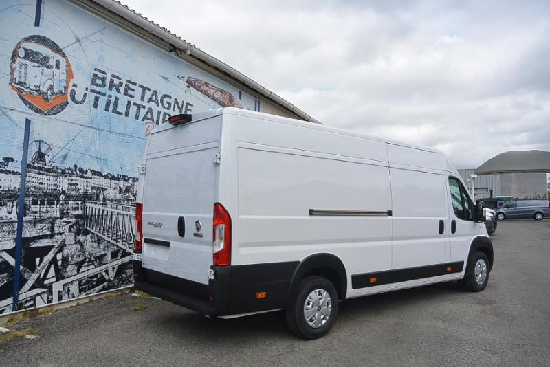 Photo 2 de l'offre de FIAT DUCATO 3.5 MAXI XL H2 2.3 MULTIJET 140CH PRO LOUNGE + OPTIONS à 31740€ chez Bretagne Utilitaires