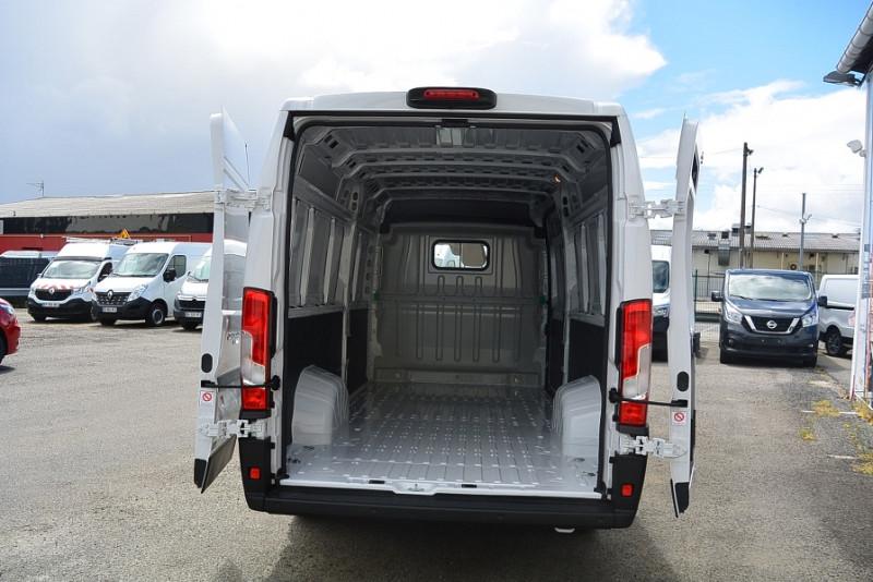 Photo 7 de l'offre de FIAT DUCATO 3.5 MAXI XL H2 2.3 MULTIJET 140CH PRO LOUNGE + OPTIONS à 31740€ chez Bretagne Utilitaires