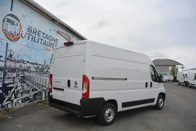 Photo 4 de l'offre de FIAT DUCATO FG 3.3 MH2 2.3 MULTIJET 140CH PRO LOUNGE à 27588€ chez Bretagne Utilitaires