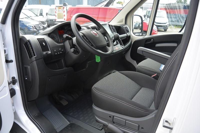 Photo 4 de l'offre de FIAT DUCATO 3.5 MAXI XL H2 2.3 MULTIJET 140CH PRO LOUNGE + OPTIONS à 31740€ chez Bretagne Utilitaires