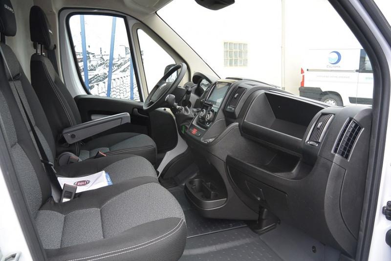 Photo 3 de l'offre de FIAT DUCATO 3.5 MAXI XL H2 2.3 MULTIJET 140CH PRO LOUNGE + OPTIONS à 31740€ chez Bretagne Utilitaires