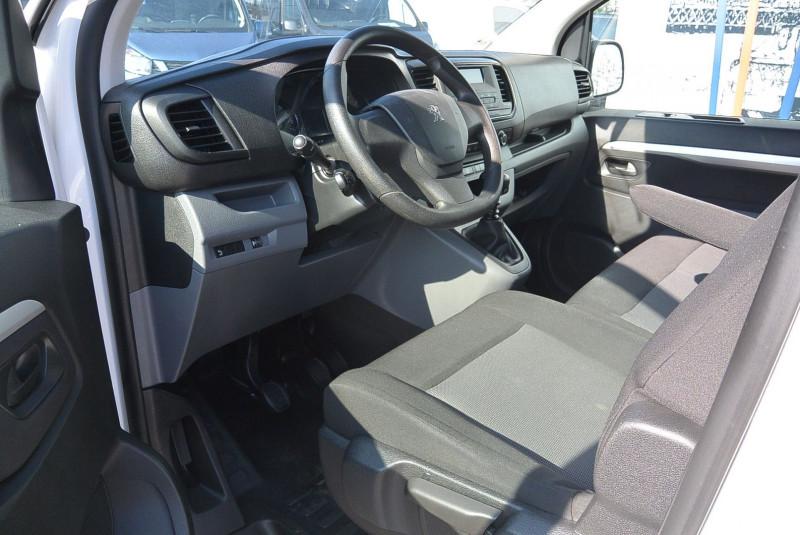 Photo 4 de l'offre de PEUGEOT EXPERT CAB APPRO 6 PLACES STANDARD 2.0 BLUEHDI 120 CV PREMIUM à 20940€ chez Bretagne Utilitaires
