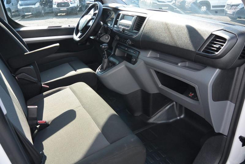 Photo 5 de l'offre de PEUGEOT EXPERT CAB APPRO 6 PLACES STANDARD 2.0 BLUEHDI 120 CV PREMIUM à 20940€ chez Bretagne Utilitaires