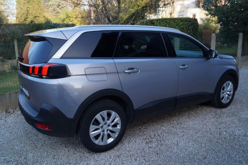Photo 3 de l'offre de PEUGEOT 5008 1.6 BLUEHDI 120CH ACTIVE BUSINESS S&S à 17890€ chez Visiteauto.fr