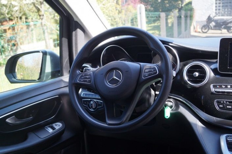 Photo 6 de l'offre de MERCEDES-BENZ CLASSE V 220 CDI LONG BUSINESS 7G-TRONIC PLUS à 25890€ chez Visiteauto.fr