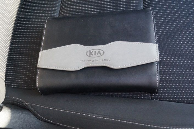 Photo 11 de l'offre de KIA SPORTAGE 1.7 CRDI 141CH ISG ACTIVE 4X2 DCT7 à 16890€ chez Visiteauto.fr