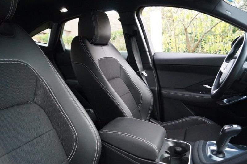 Photo 9 de l'offre de JAGUAR E-PACE 2.0D 150CH BUSINESS R-DYNAMIC AWD BVA9 à 34890€ chez Visiteauto.fr