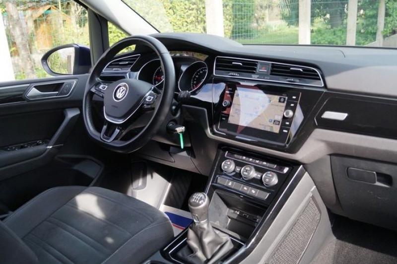 Photo 5 de l'offre de VOLKSWAGEN TOURAN 1.6 TDI 115CH CARAT 5 PLACES à 14990€ chez Visiteauto.fr