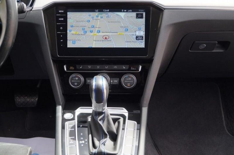 Photo 15 de l'offre de VOLKSWAGEN PASSAT SW 1.4 TSI 218CH GTE DSG6 à 24490€ chez Visiteauto.fr