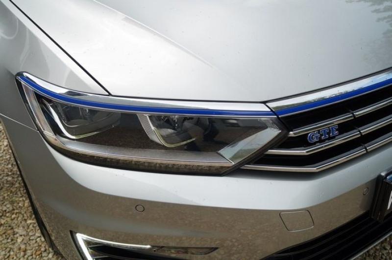 Photo 12 de l'offre de VOLKSWAGEN PASSAT SW 1.4 TSI 218CH GTE DSG6 à 23890€ chez Visiteauto.fr
