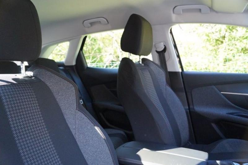Photo 9 de l'offre de PEUGEOT 3008 1.5 BLUEHDI 130CH E6.C ACTIVE S&S à 17890€ chez Visiteauto.fr