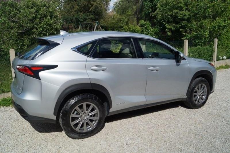 Photo 3 de l'offre de LEXUS NX 300H 2WD PACK à 22990€ chez Visiteauto.fr