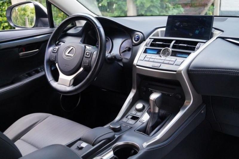 Photo 5 de l'offre de LEXUS NX 300H 2WD PACK à 22990€ chez Visiteauto.fr